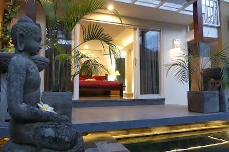 Villa Layang Layang Quiet Space Under the Kites