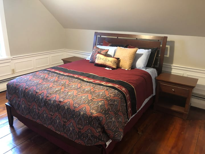 Etinde House is very spacious place to stay and