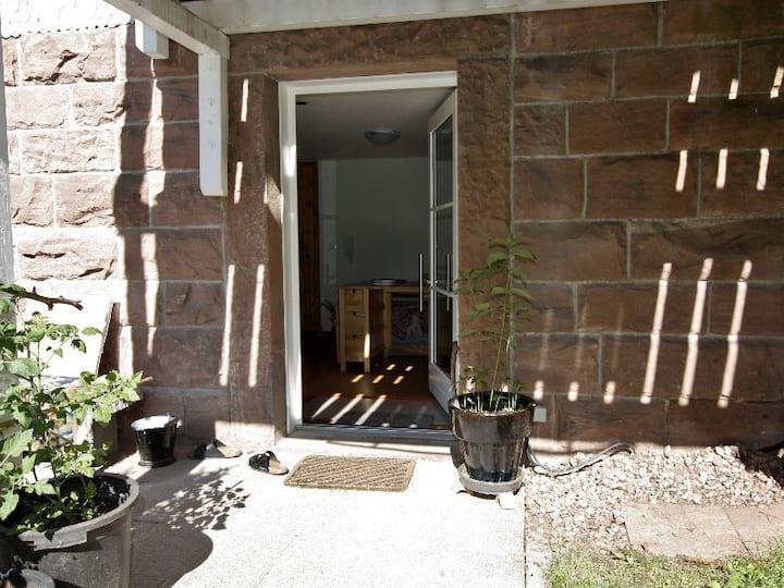 Rollstuhlgerecht auf der Kullenmühle, (Bad Herrenalb), Ferienwohnung, 33 qm, 1 Wohn-/Schlafbereich, max. 2 Personen
