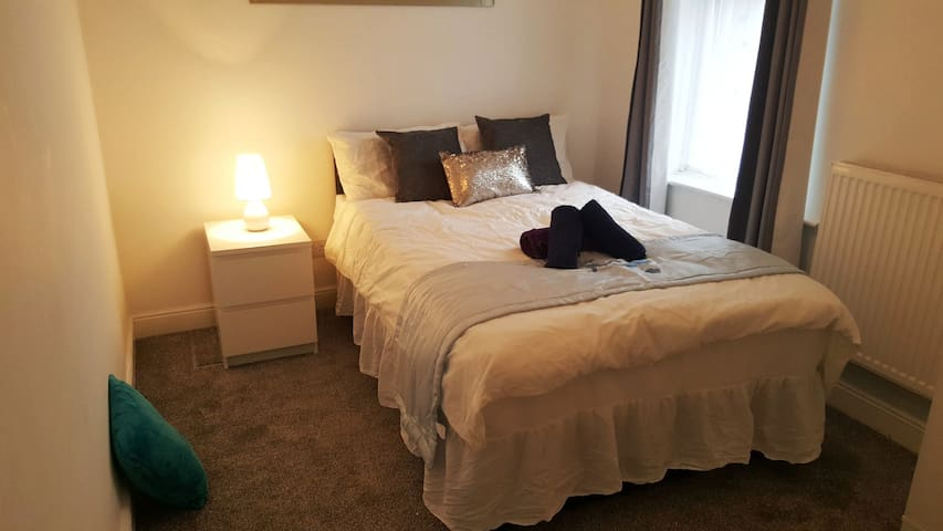 Modern & Luxury double room with private shower