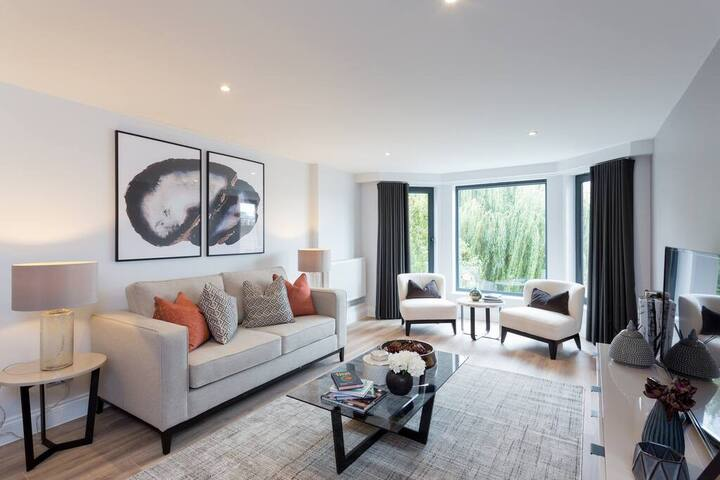 Amazing 2BD Apartment in Earls Court