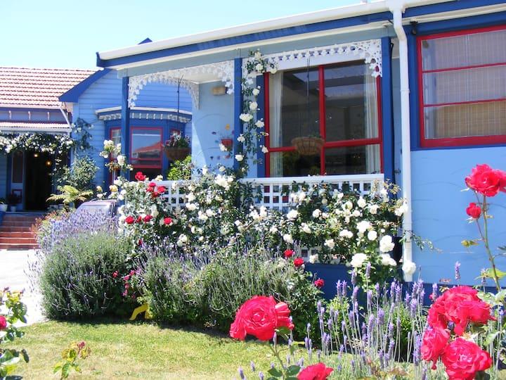 The Villa Picton - Private Rooms