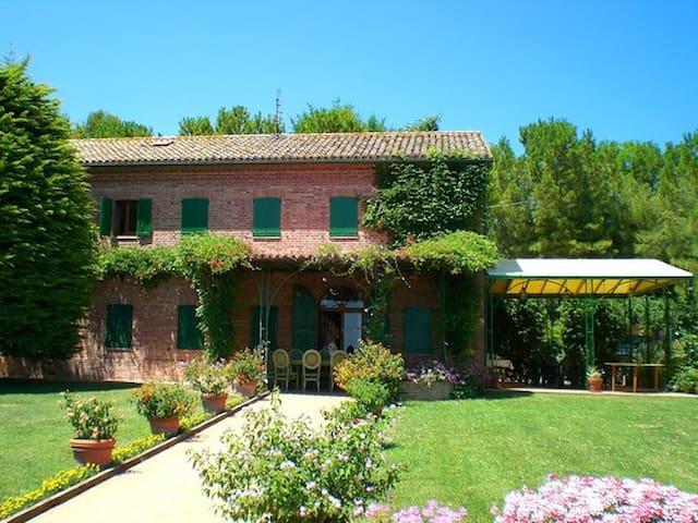 Villa Magnifica in Sirolo - Sirolo - House