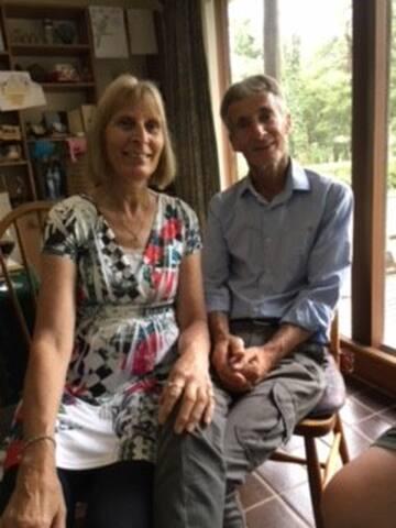 Hosts Neil and Glenda