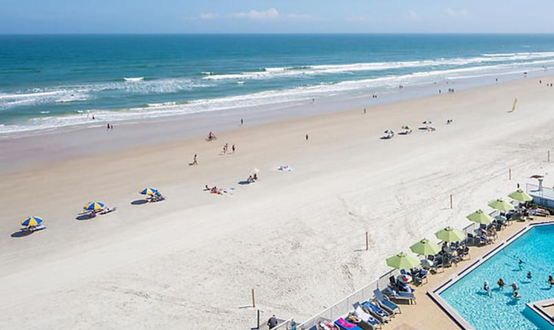 Take a stroll along Daytona Beach!