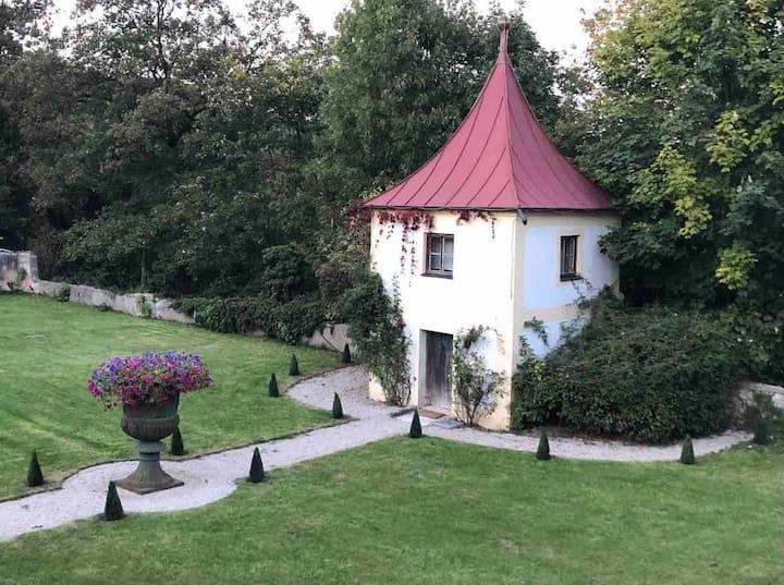Tiny Tower Renaissancegarden Castle Hexenagger