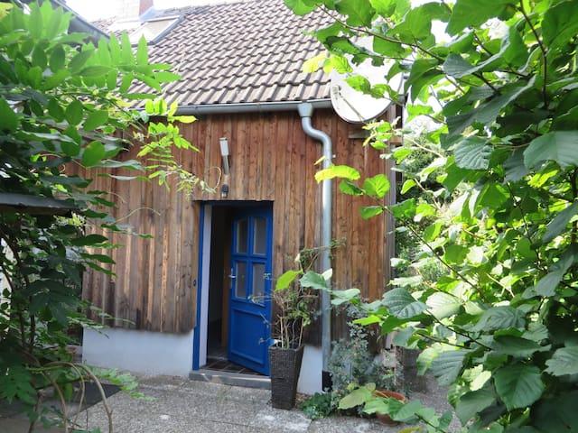 Ruhiggelegenes, kleines Haus - Braunschweig - House