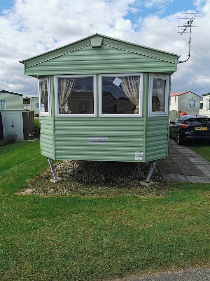 8 berth caravan for hire at Sunnydale park Lincolnshire Skegness ref 35208S