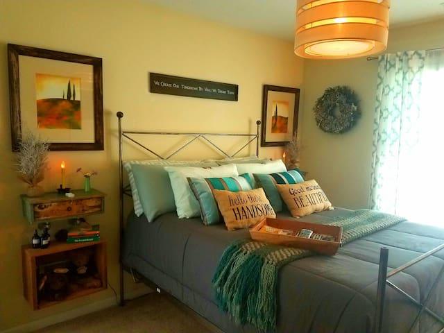 Cozy Master Guest Suite
