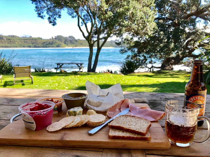 Waterfront Beach House - Bay of Islands