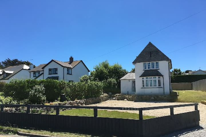 Luxury coastal family home, sea views and parking - Sennen - Dům