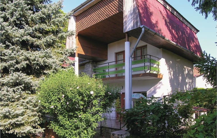 Holiday cottage with 2 bedrooms on 109m² in Balatonföldvár