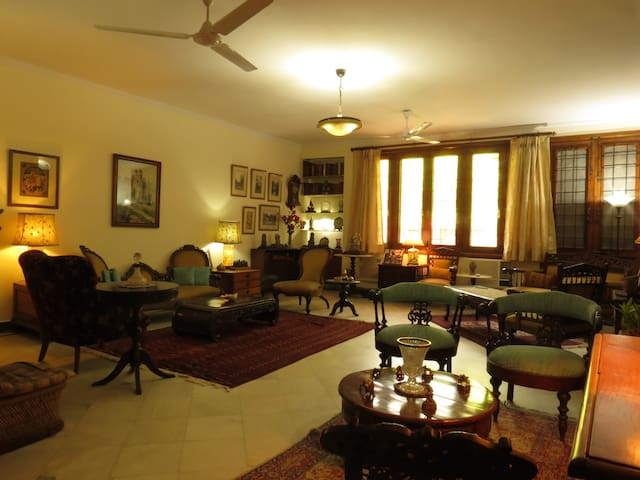 Bed and breakfast in Delhi with rich heritage.