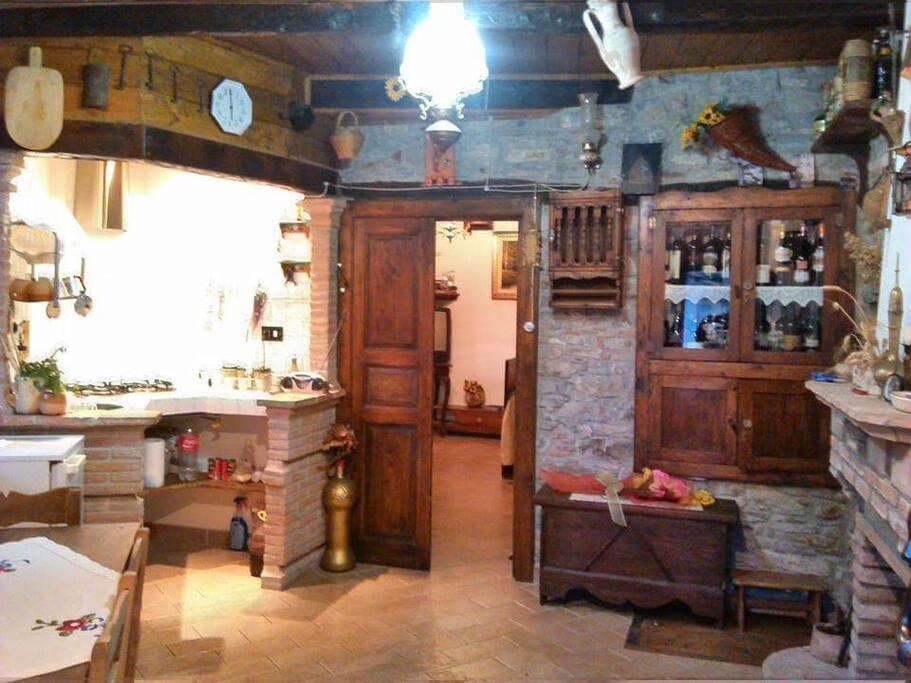 Casa Reginella - Sala da pranzo e angolo cottura
