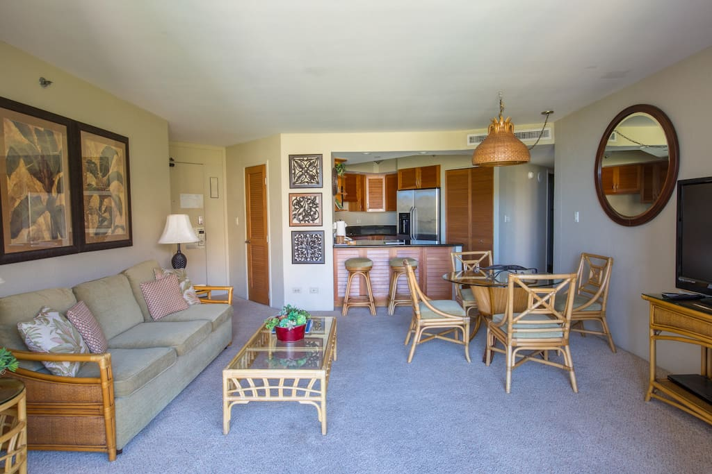 Spacious family room and kitchen