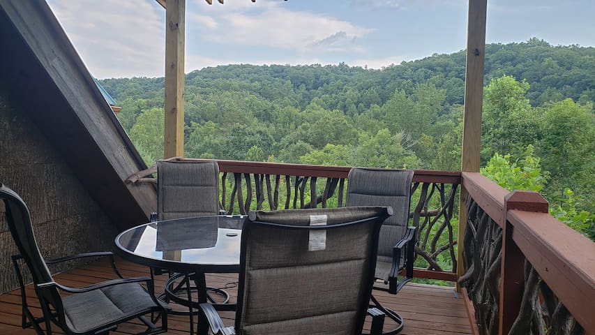 Mountain Views and Creek Frontage on Six Acres