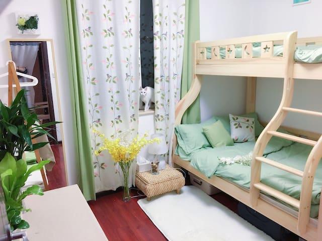 三月可订 望京SOHO/798/地铁/机场高速 舒适田园独立房间 温暖上下铺