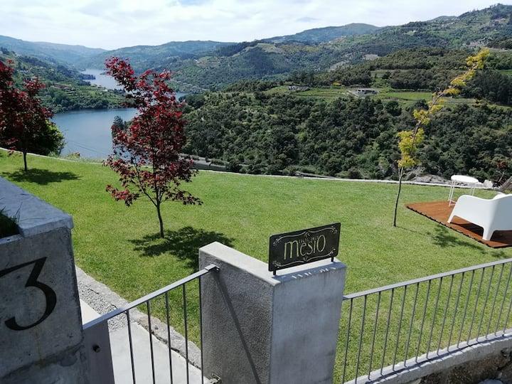 Douro Mesio Guest House