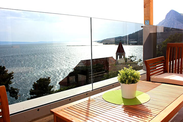 ❤★ Ap3_W spacious apartment with sea front view★❤ - Omiš - Apartemen