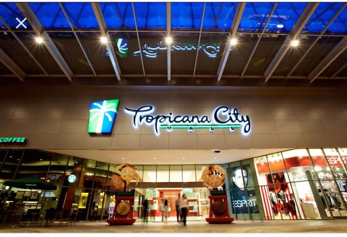 Tropicana City Mall / 2 rooms / Petaling Jaya /SS2