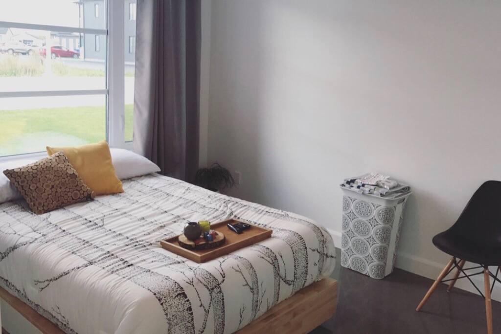 chambre tranquille et douillette houses for rent in saguenay quebec canada. Black Bedroom Furniture Sets. Home Design Ideas