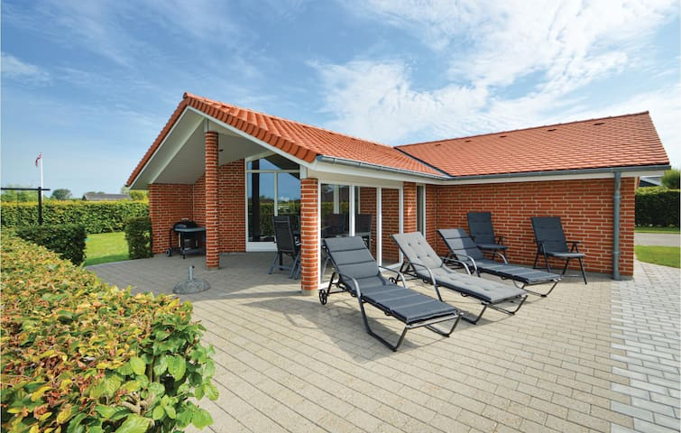 Holiday cottage with 3 bedrooms on 84m² in Haderslev