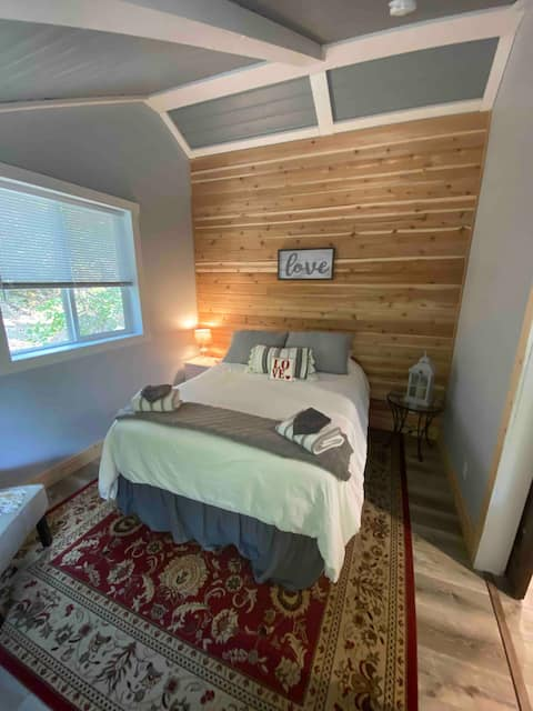 Maple Pines Guest House