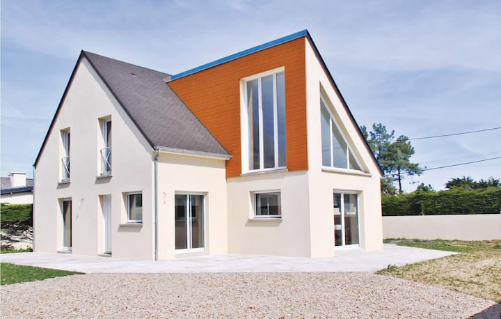 Amazing home in St.Germain/Ay-Plage with WiFi and 3 Bedrooms
