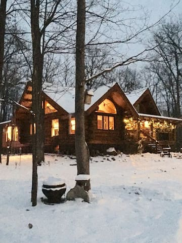 Beautiful Authentic Log Cabin Home