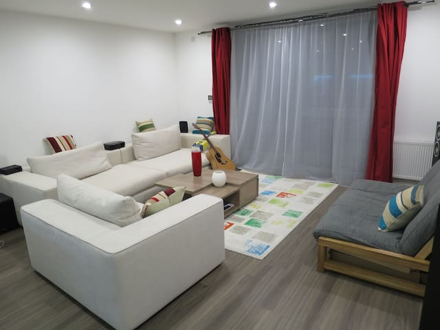 Immaculate zone 1 canalside apartment - Londres - Pis
