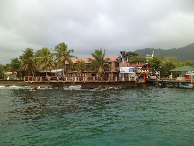 Hotel & Hostel KATAMARAN de Capurganá. Hab 2