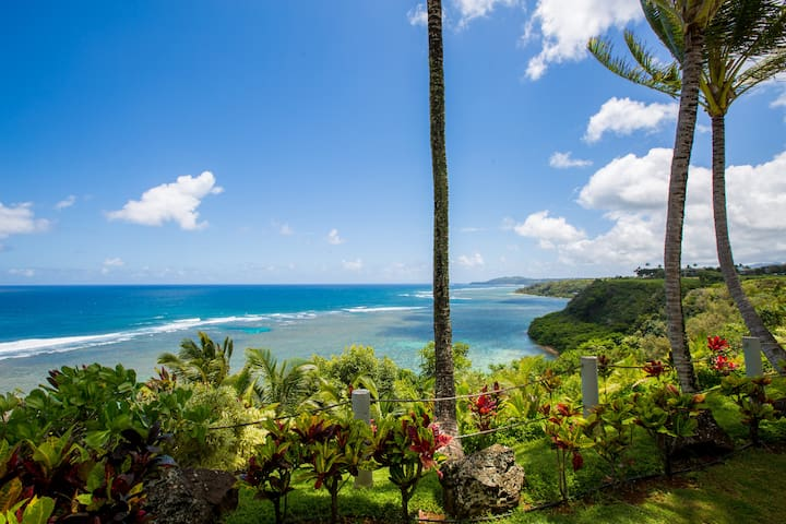Gorgeous OCEANFRONT Townhome ~ Walk to BEACH TRAIL