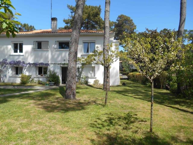 T3, grand jardin proche plage et forêt - Saint-Georges-de-Didonne - Apartment