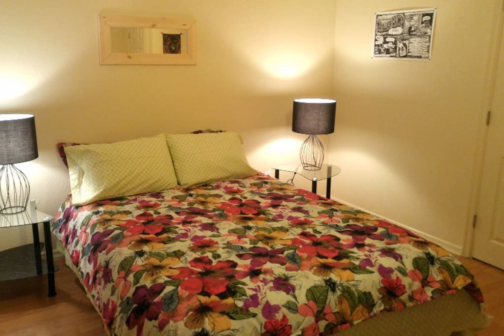 The master bedroom with queen size bed.