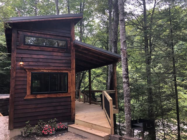 Theodore Overlook-RRG Tiny Cabin, no cleaning fee!