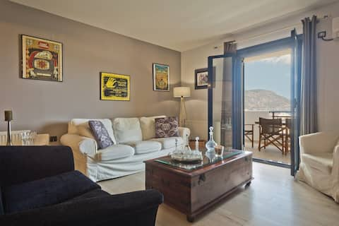 Yiannis appartment