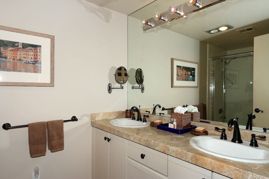 Master Bath with dual sinks and shower/tub combo