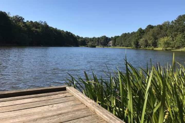 Relaxing Villa at Grace Lake