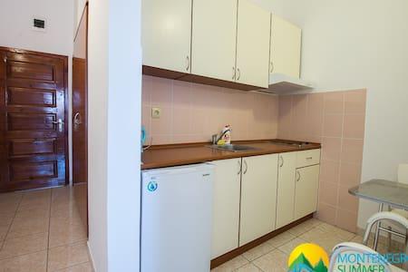 Studio Apartment near the sea - Budva - Villa