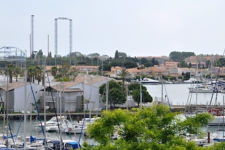 Studio en plein centre Port du Cap d'Agde - Agde