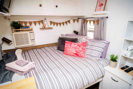 Milly the Caravan NetflixWIFI & light B'fast