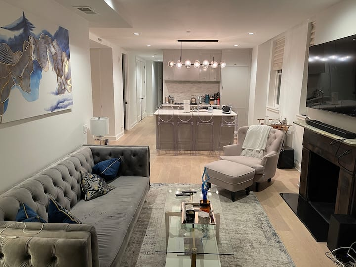 Dupont Circle Oasis Private Bdr in Luxury Townhome