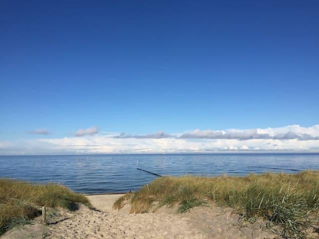 Direkt am Strand Ostseebad Dierhagen 40 qm 🏄♂️🏊🚴♀️⛵️🏖❤️⚽️