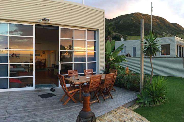 'Beach Break' Ahipara beach house - Ahipara - Haus