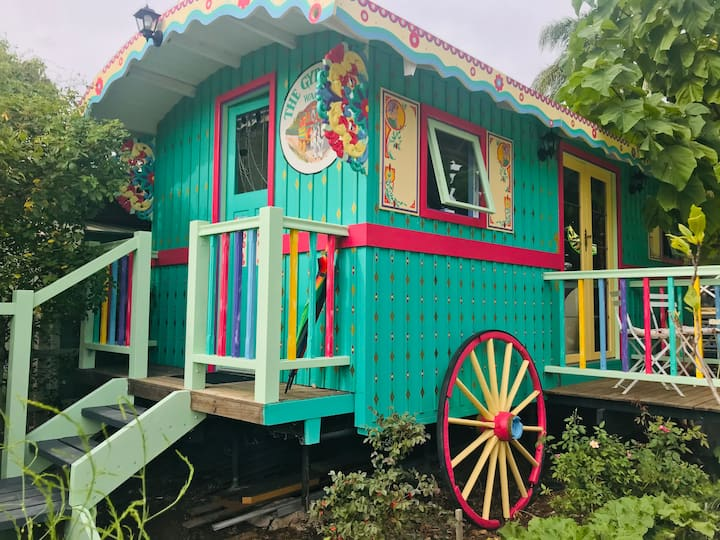 The Gypsy Rose Wagon - Fun and Romance!