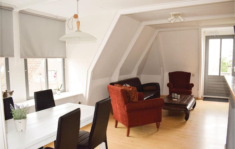 Holiday apartment with 2 bedrooms on 60m² in Hindeloopen