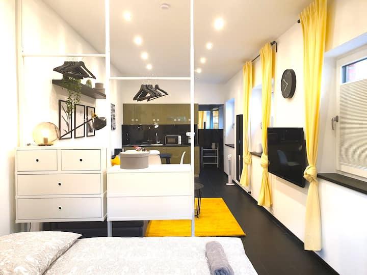 Loft-Wohnung m. Luxus-Badezimmer & Privatparkplatz