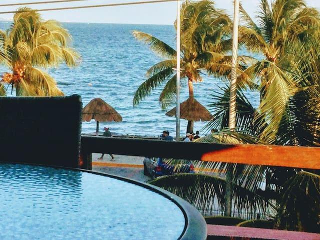 Cancún, Hermoso Depto a 25 M de una playa Caribeña