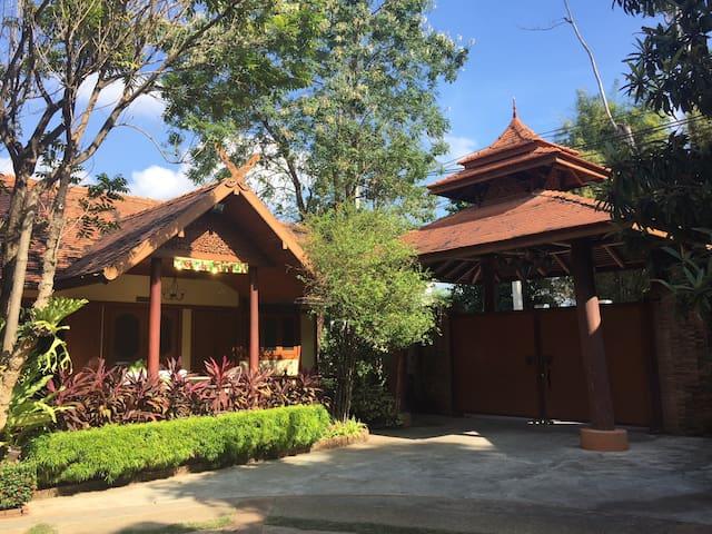 Chiang Mai Riverside Kawila126 Villa Private Rooms