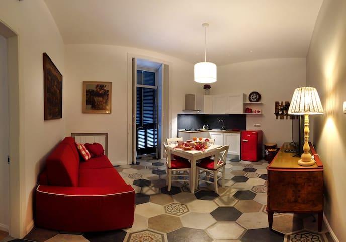 Salotto/cucina con divano letto matrimoniale